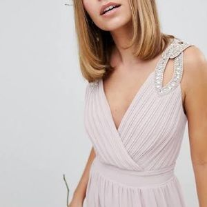 Formal Dress- Perfect for Weddings or Galas!